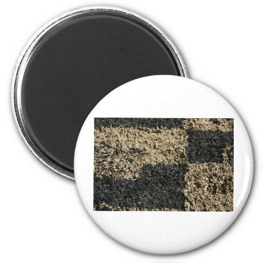 Alfombra a cuadros de la pelusa negra y marrón imán de frigorifico