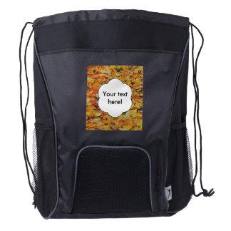 Alfombra de las hojas de otoño mochila de cordón