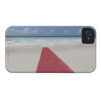 Alfombra roja en una playa funda para iPhone 4