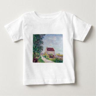 Alfred Sisley - aceite de Le village des Sablons T Shirts
