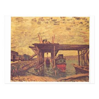 Alfred Sisley - Brücke im Bau 1885 Oil on Canvas Postcard