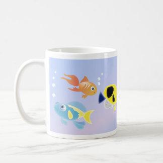 Algo a pescado taza de café
