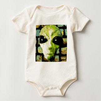 algo extraño mameluco de bebé