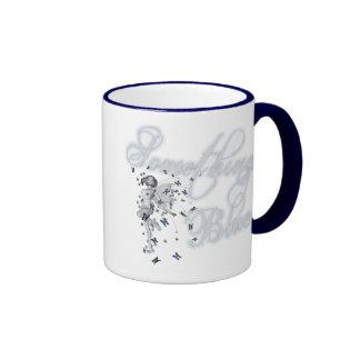 Algo hada azul de la mariposa - original taza de dos colores
