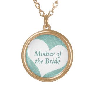 Algo mamá azul del collar de la novia