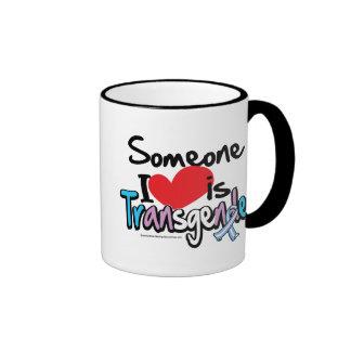 Alguien amor de I es transexual Taza De Dos Colores