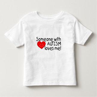 Alguien con autismo me ama (el corazón) polera