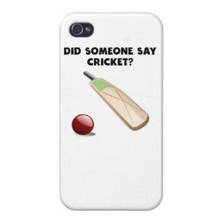 ¿Alguien dijo Cricket? iPhone 4 Cárcasa
