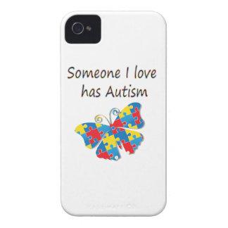 Alguien el amor de I tiene autismo (multi) Case-Mate iPhone 4 Protector