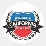 Alguien en California me ama Pegatinas Redondas