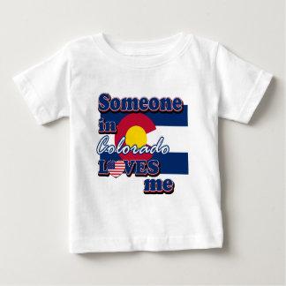 Alguien en Colorado me ama Tshirts