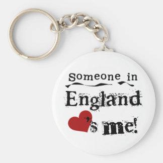 Alguien en Inglaterra me ama Llavero Redondo Tipo Pin