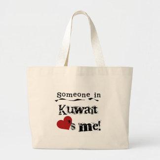 Alguien en Kuwait me ama Bolsas De Mano