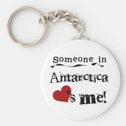 Alguien en la Antártida me ama Llavero Redondo Tipo Pin