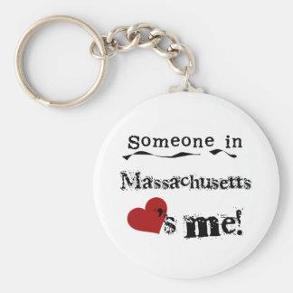 Alguien en Massachusetts me ama Llavero Redondo Tipo Pin