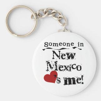 Alguien en New México me ama Llavero Redondo Tipo Pin