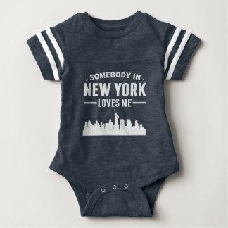 Alguien en Nueva York me ama Camisas