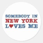 Alguien en Nueva York me ama Etiquetas Redondas