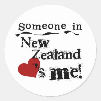 Alguien en Nueva Zelanda me ama Pegatina Redonda