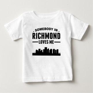 Alguien en Richmond me ama Remera