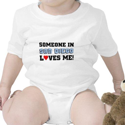 Alguien en San Diego me ama Trajes De Bebé