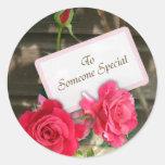 Alguien especial - rosas pegatinas redondas