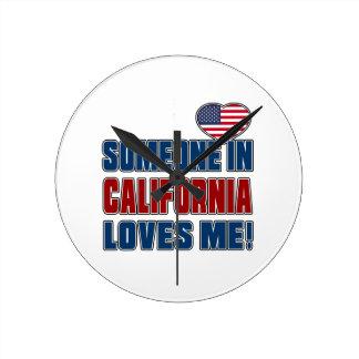 ALGUIEN ME AMA EN CALIFORNIA RELOJ REDONDO MEDIANO