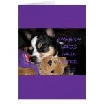 Alguien necesita el perro de la chihuahua del café tarjetas
