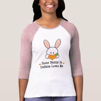 Algún conejito en Indiana me ama camisa del raglán