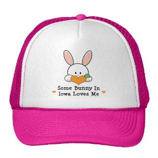 Algún conejito en Iowa me ama gorra