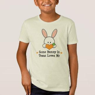 Algún conejito en Tejas me ama camiseta orgánica