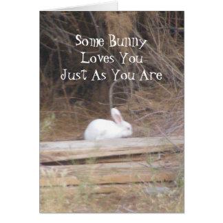 Algún conejito le ama apenas pues usted es tarjeta
