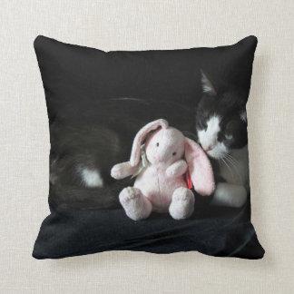Algún conejito me ama almohada