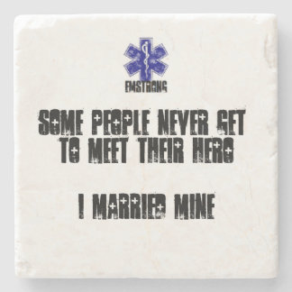 Alguna gente nunca resuelve la mina casada posavasos de piedra