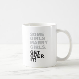 ¡Algunos chicas casan a chicas, consiguen sobre Taza Clásica