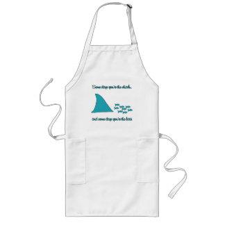 Algunos días usted es la camiseta del tiburón delantal