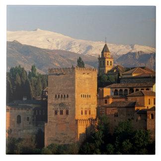 Alhambra; Granada; Andaslusia, España, Sierra Tejas Ceramicas