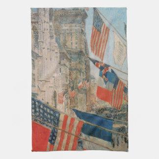 Aliados día, mayo de 1917 por Childe Hassam, arte Toallas De Cocina