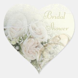 Alianzas de boda, rosas y ducha nupcial del cordón pegatina en forma de corazón
