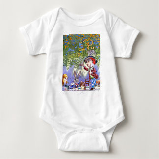 Alice at the Mad Hatter's Tea Paty. T-shirt