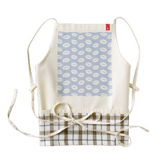 Alice Blue White Kisses in English Country Garden Zazzle HEART Apron