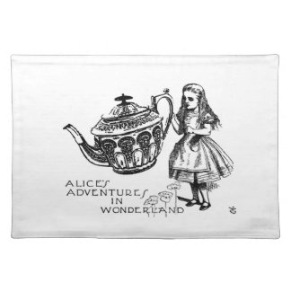 """Alice in Wonderland Placemat 20"""" x 14"""" Cloth Placemat"""