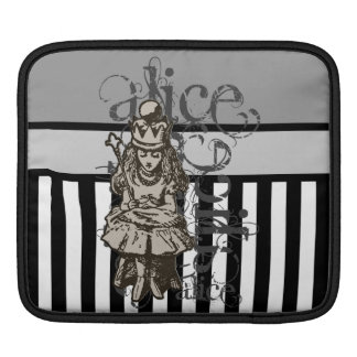 Alice In Wonderland Queen Alice Grunge Sleeve For iPads
