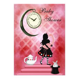 Alicia caprichosa y ducha rosada de la niña del invitaciones personalizada