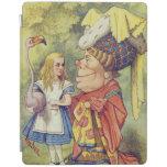 Alicia con la duquesa cubierta de iPad
