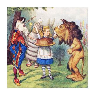 Alicia, el león y el unicornio en el país de las m lona estirada galerías