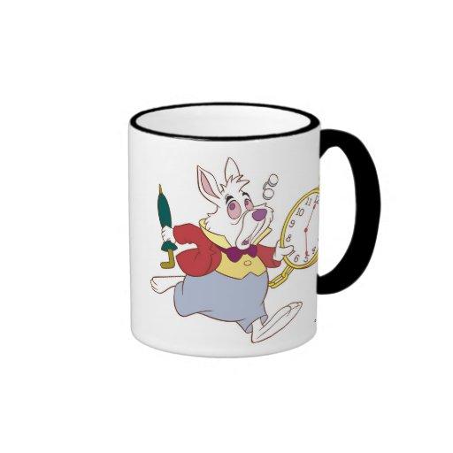 Alicia en el conejo blanco del país de las maravil taza de café