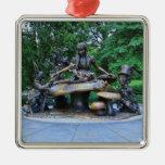 Alicia en el país de las maravillas - Central Park Ornamentos De Navidad