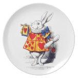 Alicia en el país de las maravillas el conejo blan plato de cena