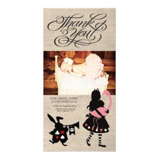 Alicia en el país de las maravillas le agradece tarjeta fotografica personalizada